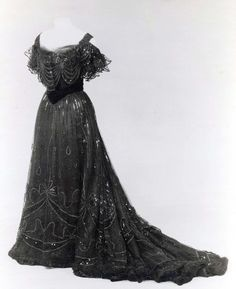 House of Worth evening dress ca. 1906-1908 via The Costume Institute of The Metropolitan Museum of Art
