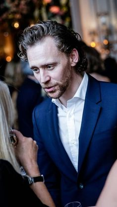 Tom Hiddleston Gentleman, Tom Hiddleston Loki, Beautiful Boys, Gorgeous Men, Beautiful People, Husband Appreciation, Cinema, Man Thing Marvel, My Tom