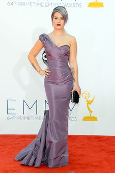Kelly Osbourne's lavender Zac Posen gown perfectly matched her purple hair.