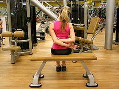 Cvik č. 4: Svaly boční strany krku (postranní svaly krku). - V konečné pozici vydržte 10 vteřin (tj. přibližně 2 klidné nádechy). Cvik zopakujte stejným způsobem také na opačnou stranu.