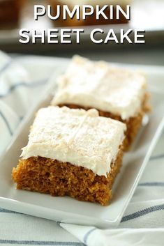 holiday dessert that will feed a crowd. You will love this Pumpkin Sheet Cake! cake Pumpkin Sheet Cake from Six Sisters' StuffA holiday dessert that will feed a crowd. You will love this Pumpkin Sheet Cake! cake Pumpkin Sheet Cake from Six Sisters' Stuff Tolle Desserts, Köstliche Desserts, Dessert Recipes, Frosting Recipes, Dinner Recipes, Desserts For A Crowd, Great Desserts, Delicious Desserts, Yummy Treats