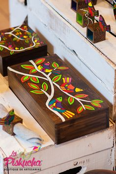 Best 12 Handmade wooden tea box made decorated with sand and painted with typical Salvadorian designs. Wooden Box Crafts, Wooden Tea Box, Painted Trunk, Painted Wooden Boxes, Art N Craft, Diy Art, Yard Art Crafts, Wall Art Designs, Paint Designs