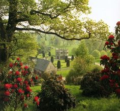 Medieval, Lanhydrock, Cornwall, England photo via emily (Blue Pueblo) – 2020 World Travel Populler Travel Country The Places Youll Go, Places To See, Beautiful World, Beautiful Places, Beautiful Gardens, British Countryside, Cornwall England, Yorkshire England, Yorkshire Dales