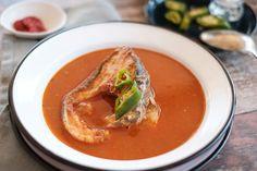 Szegedi (tiszai) halászlé Recept képpel - Mindmegette.hu - Receptek Hungarian Cuisine, Thai Red Curry, Seafood, Fish, Ethnic Recipes, Eat, Sea Food, Pisces
