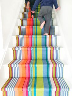 Home Interior Cuadros Modern Basement, Modern Stairs, Basement Plans, Basement Stairwell Ideas, Basement Renovations, Stair Runner Installation, Staircase Runner, Stair Rug Runner, Stair Rugs