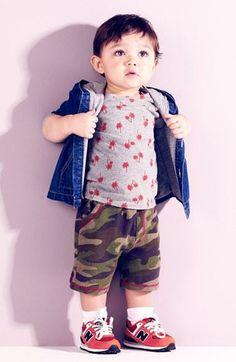 Cute weekend look - denim jacket, tee and shorts.