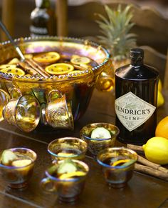 Hot gin punch cocktail recipe--perfect for winter #weddings!