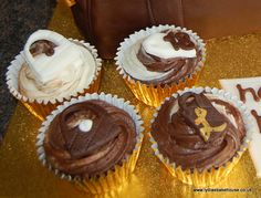 matching cupcakes for handbag cakes at www.lydiasbakehouse.co.uk