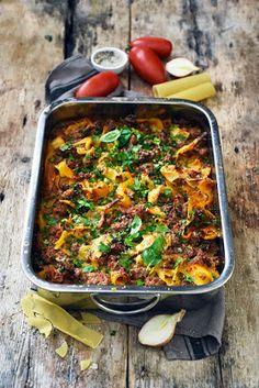 Dorian cuisine.com Mais pourquoi est-ce que je vous raconte ça... : Le one pan pasta de Yotam Ottolenghi à la harissa bolognese... parce que ce cuisinier-là... Yotam Ottolenghi, One Pan Pasta, Dorian Cuisine, One Pot, Bolognese, Food Pictures, Risotto, Spicy, Soup