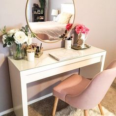 This is how you style the Ikea Malm Vanity Table - Home Inspiration - Beauty Room Dressing Room Decor, Bedroom Dressing Table, Ikea Malm Dressing Table, Makeup Dressing Table, How To Design Dressing Table, Dressing Table Arrangement, Dressing Table And Stool, Dressing Tables With Mirror, Desk With Mirror