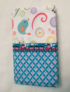 Edeltraud mit Punkten: Mutter-Kind-Pass-Hülle Sewing Projects, Sewing Ideas, Coin Purse, Lunch Box, Manualidades, Diy Tutorial, Bags Sewing, Bento Box, Coin Purses