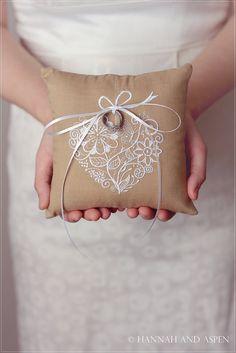 """Jodie - 6 x 6 """"bague de mariage oreiller - broderie coeur anneau oreiller - bague de mariage au porteur - oreiller porteur Ring - toile de j..."""
