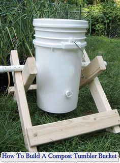 How To Build A Compost Tumbler Bucket How To Build A Compost Tumbler Bucket If you are lucky enough to have a garden, you need to have a compost tumbler, they are easy to make, cheap to build a