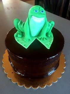 Essie, Cream, Baking, Cake, Desserts, Decorations, Food, Creme Caramel, Tailgate Desserts