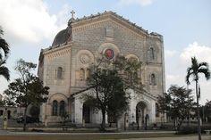 Iglesia Jesús de Miramar #LaHabana #Cuba Cuba Island, Havana Cuba, Barcelona Cathedral, Trip Advisor, Places To Visit, Bella, House Styles, World, Gallery