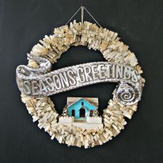 Seasons Greetings wreath / Everyday is a Holiday blog