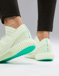 3c8c45296 Adidas Soccer Nemeziz Tango sneakers 17.1 in mint cp9117