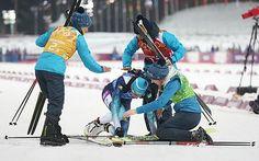 バイアスロン女子24キロリレーで金メダルを獲得し、喜び合うウクライナの選手たち=21日、ロシア・ソチ ▼22Feb2014時事通信|ウクライナ、20年ぶり金=母国の死者悼み黙とう〔五輪・バイアスロン〕 http://www.jiji.com/jc/c?g=spo_date1&k=2014022200077 #sochi2014 #Biathlon #Womens4x6kmRelay #ukraine #ucrania