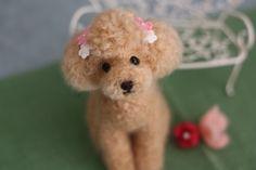 《再販》リボンピンク 羊毛フェルト 甘えん坊さんは アプリコット トイプードル|羊毛フェルト|mon ange|ハンドメイド通販・販売のCreema
