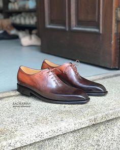 Nové #boty z naší dílny. #botynamiru #patina #bespokeshoes #bespoke #leatherwork #luxuryshoes #shoesoftheday