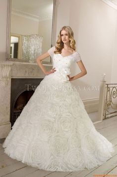 Robes de mariée Ronald Joyce Desdemona 2011