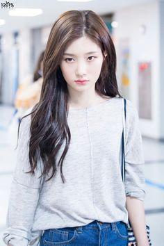 Chaeyeon DIA Korean Actresses, Korean Actors, Kpop Girl Groups, Kpop Girls, Korean Beauty, Asian Beauty, Beautiful Asian Girls, Beautiful People, Korean Princess