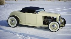 1932 Ford Roadster Convertible. [Desktop wallpaper 1600x899]