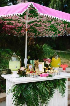 ideas for spring bridal shower drinks Bridal Shower Drinks, Tropical Bridal Showers, Bridal Shower Decorations, Tropical Party Decorations, Aloha Party, Luau Party, Beach Party Decor, Pool Party Miami, Havanna Party