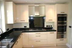 cream gloss kitchen with granite worktops Kitchen Units, Open Plan Kitchen, New Kitchen, Kitchen Decor, Grey Kitchens, Luxury Kitchens, Home Kitchens, Cream Gloss Kitchen, Kitchen Diner Extension
