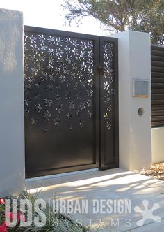 Our Frangipani design is perfect for creating a striking first impression for any property, with the three-dimensional pattern creating an intriguinig sculptural element and ideal privacy to any entrance way. UDS designs are available Australia-wide and in the United States.