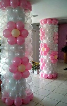 Clever idea for covering and hiding large industrial pillars at Event site Balloon Pillars, Balloon Lanterns, Balloon Flowers, Balloon Arch, Ballon Arrangement, Deco Ballon, Balloons Galore, Celebration Balloons, Christmas Balloons