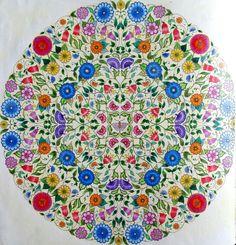 Mandala do Jardim Secreto. Segundo colorido. #jardimsecreto #mandala