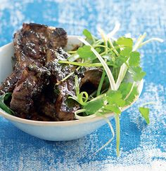 Lamb chops in sticky tamarind Lamb Recipes, Meat Recipes, Paleo Recipes, Dinner Party Appetizers, Meat Appetizers, Lamb Ribs, Lamb Chops, Lentil Salad, Tamarind