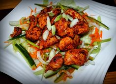 Thai sweet chilli chicken salad Slimming World Asian Recipes, New Recipes, Cooking Recipes, Healthy Recipes, Savoury Recipes, Wrap Recipes, Slimming World Dinners, Slimming World Recipes, Sweet Chilli