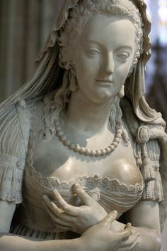Sculpture of Marie-Antoinette (1755-1793), whose remains were exhumed and transferred to Basilica of St Denis in January 1815 by Louis XVIII