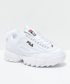Shop Women's Fila White size Sneakers at a discounted price at Poshmark. Platform Tennis Shoes, White Tennis Shoes, Fila White Shoes, White Shoes Outfit, Cute Sneakers, Shoes Sneakers, Vans Shoes, Golf Shoes, Sneakers Fashion