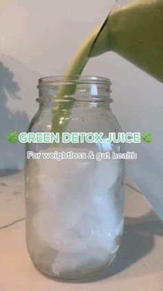 Fruit Smoothie Recipes, Juice Smoothie, Smoothie Drinks, Detox Drinks, Healthy Detox, Healthy Juices, Healthy Smoothies, Healthy Drinks, Healthy Food