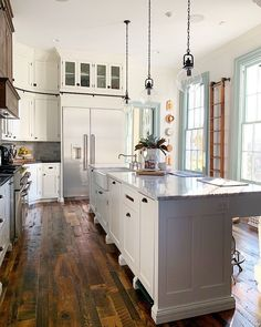 Tall Kitchen Cabinets, Built In Cabinets, Upper Cabinets, Kitchen Dining, Kitchen Counters, Inset Cabinets, Kitchen Reno, Kitchen Remodeling, Dining Rooms