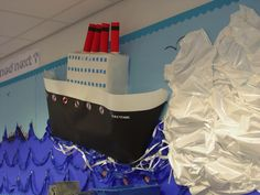 Floating and Sinking Display – Technology Updated Ideas School Displays, Library Displays, Classroom Displays, Classroom Decor, Science Fair Projects, School Projects, Classroom Bulletin Boards, Ocean Themes, Travel Design