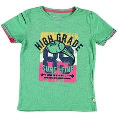 Retour shirt(Gustav) in een groene kleur, op de voorzijde een print in de kleuren geel, blauw en roze.