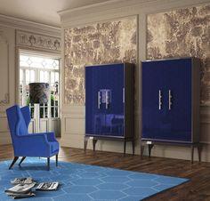 Con su acabado en azul mate este aparador hará de tu hogar un espacio agradable y confortable a la vista. Perfecto para espacios exclusivos.