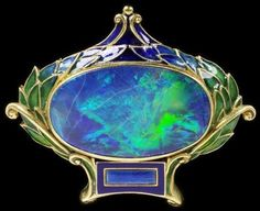 A superb Art Nouveau Marcus & Co brooch (New York), enamelled gold set with opal circa 1900.