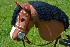 Runaway's Horses Play Horse, Horse Galloping, Stick Horses, Fabric Animals, Hobby Horse, Horse Crafts, Horse Stables, Carousel Horses, Horse Photos