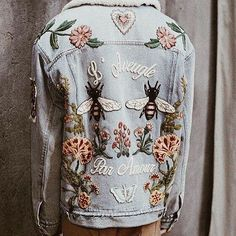 that embroidered denim jacket Style Outfits, Cute Outfits, Jumpsuit Denim, Dancing On My Own, Moda Jeans, Inspiration Mode, Diy Clothes, Passion For Fashion, Tommy Hilfiger