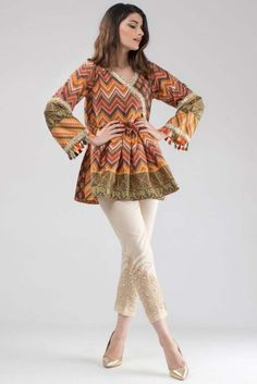 Pakistani Party Wear Dresses, Simple Pakistani Dresses, Pakistani Fashion Casual, Indian Fashion Dresses, Pakistani Dress Design, Nikkah Dress, Pakistani Frocks, Stylish Dresses For Girls, Stylish Dress Designs