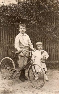 BJ469 Carte Photo Vintage Card RPPC Enfant Vélo Bicyclette Poupée Doll Ancien | eBay