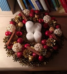 Red, gold & white Advent wreath.