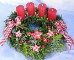 Nice idea for Advent wreath. Christmas Advent Wreath, Christmas Tree Design, Xmas Wreaths, Christmas Makes, Christmas Candles, Winter Christmas, Christmas Home, Christmas Crafts, Christmas Decorations