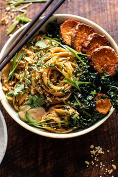Saucy Tahini Noodles with Honey'd Sweet Potatoes. - Half Baked Harvest - - The perfect colorful, healthy, saucy noodle to enjoy any night of the week! Easy, quick-cooking min), and so delicious! Creamy Salad Dressing, Planning Menu, Vegetarian Recipes, Healthy Recipes, Half Baked Harvest, Sunday Meal Prep, Roasted Sweet Potatoes, The Fresh, Food Processor Recipes