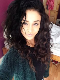 Hair & Makeup,beautiful to leave your hair natural curly
